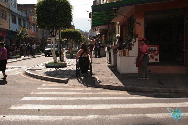 ecuador_sidewalks1