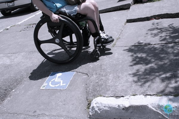 ecuador_sidewalks_banos_1