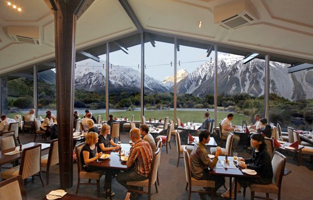 Hermatige Hotel at Mt. Cook