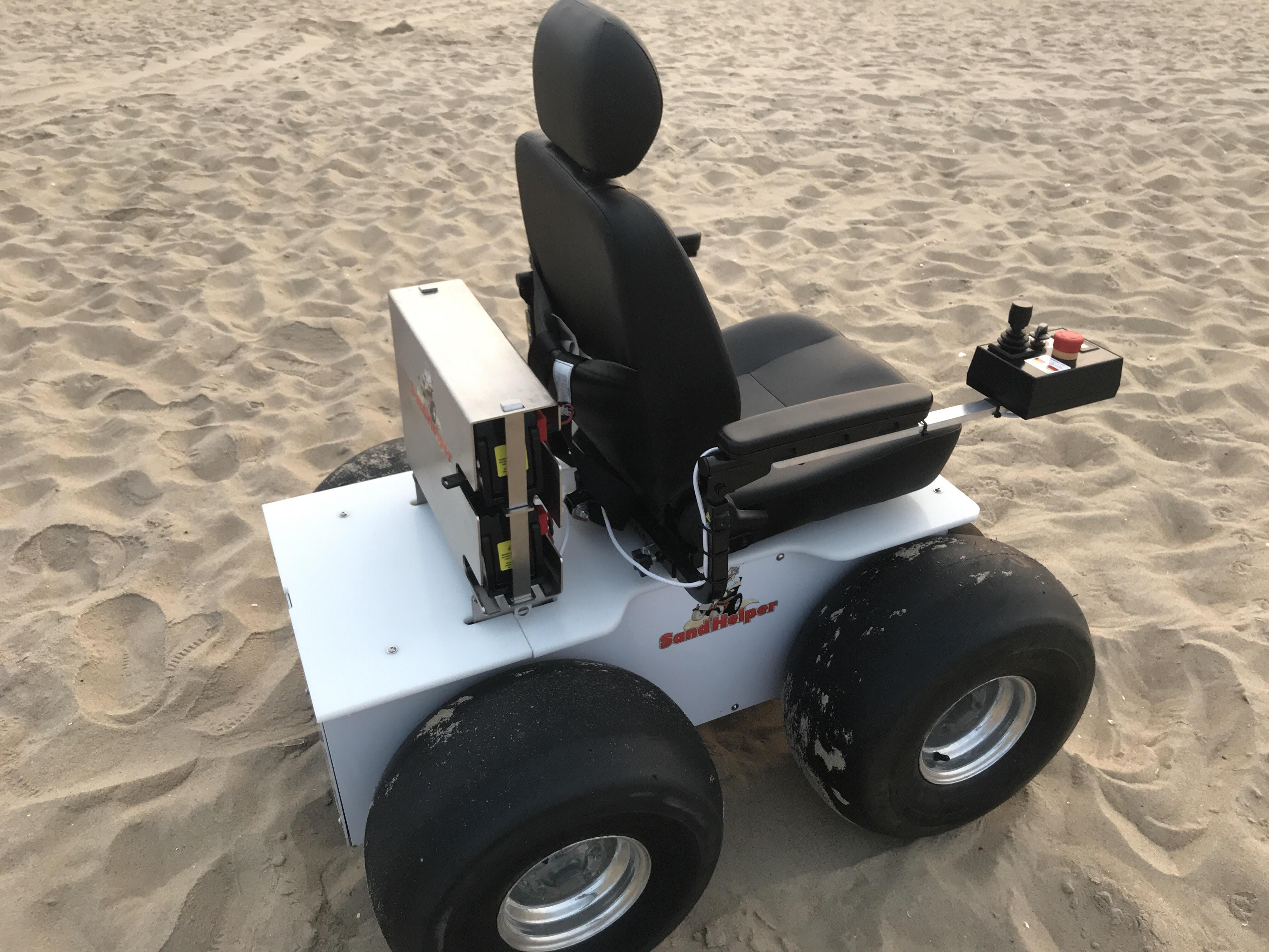 sand-helper-beach-wheelchair-rear-side-view