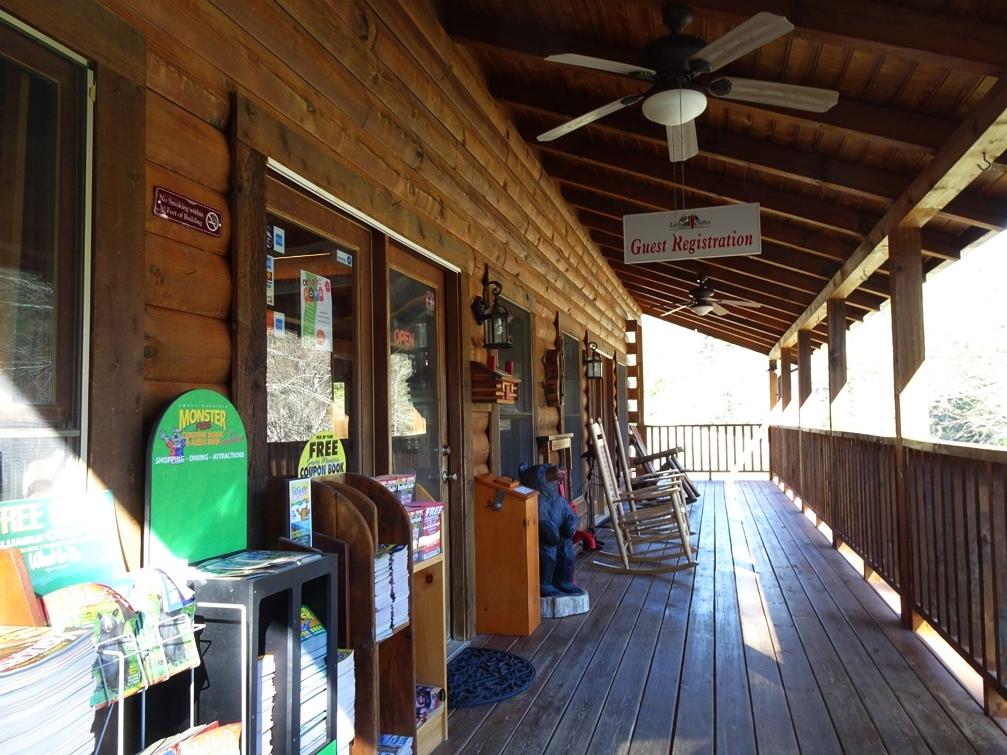 Tennessee_Cabin_TNWT19_2