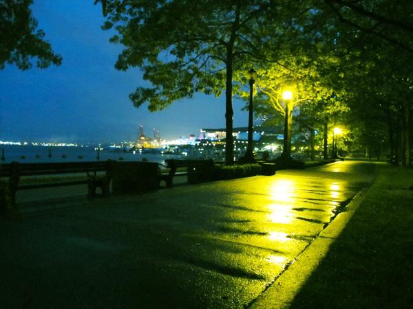 Seawall Walkway at Harbour Green Park