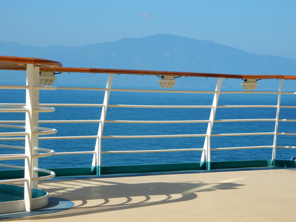Why Take a Cruise? Advice from a Travel Agent