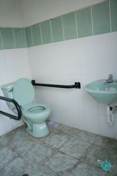 ecuador_public_bathrooms3