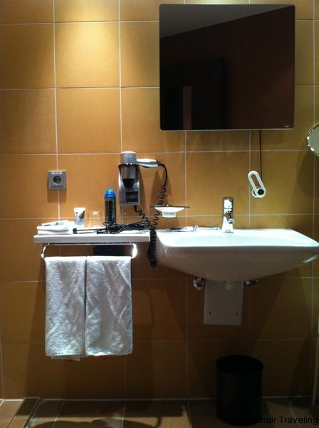 small_Dylan_y Munich hotel_3