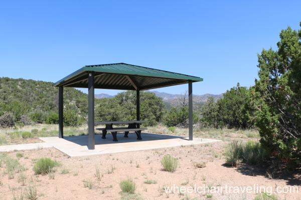 19_Picnic Area, Veterans Memorial Overlook