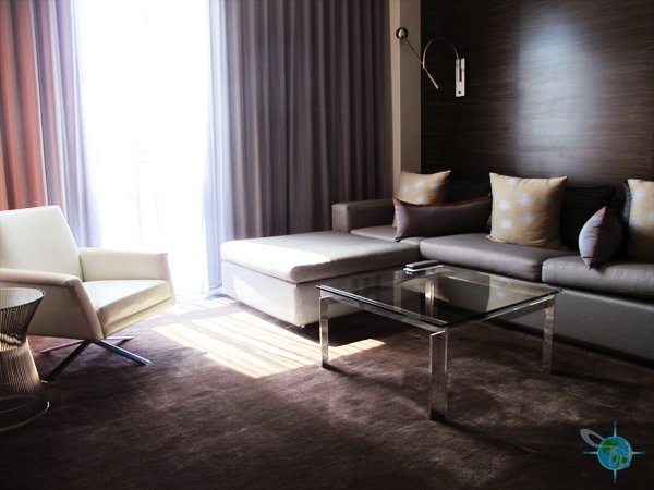 Room at Palms Place