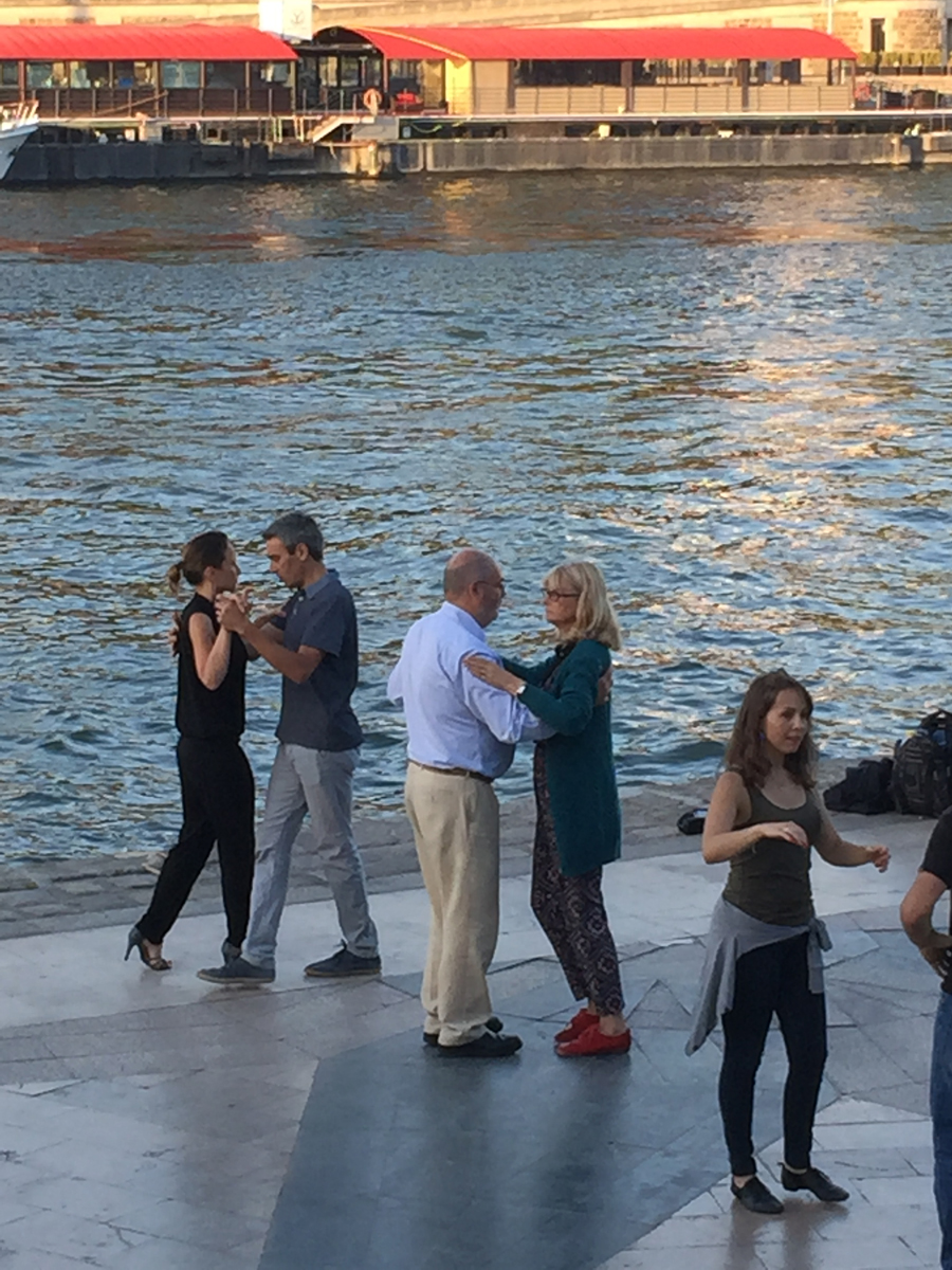 Watching dance lessons on the Seine.