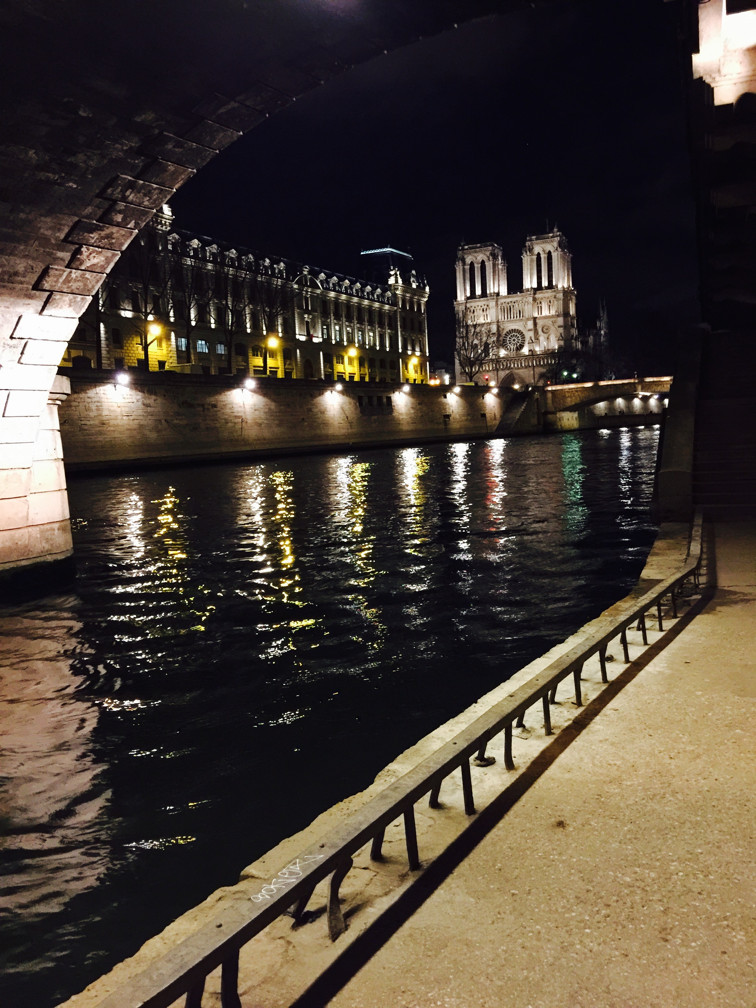 photo by kerry williams night walk along the seine