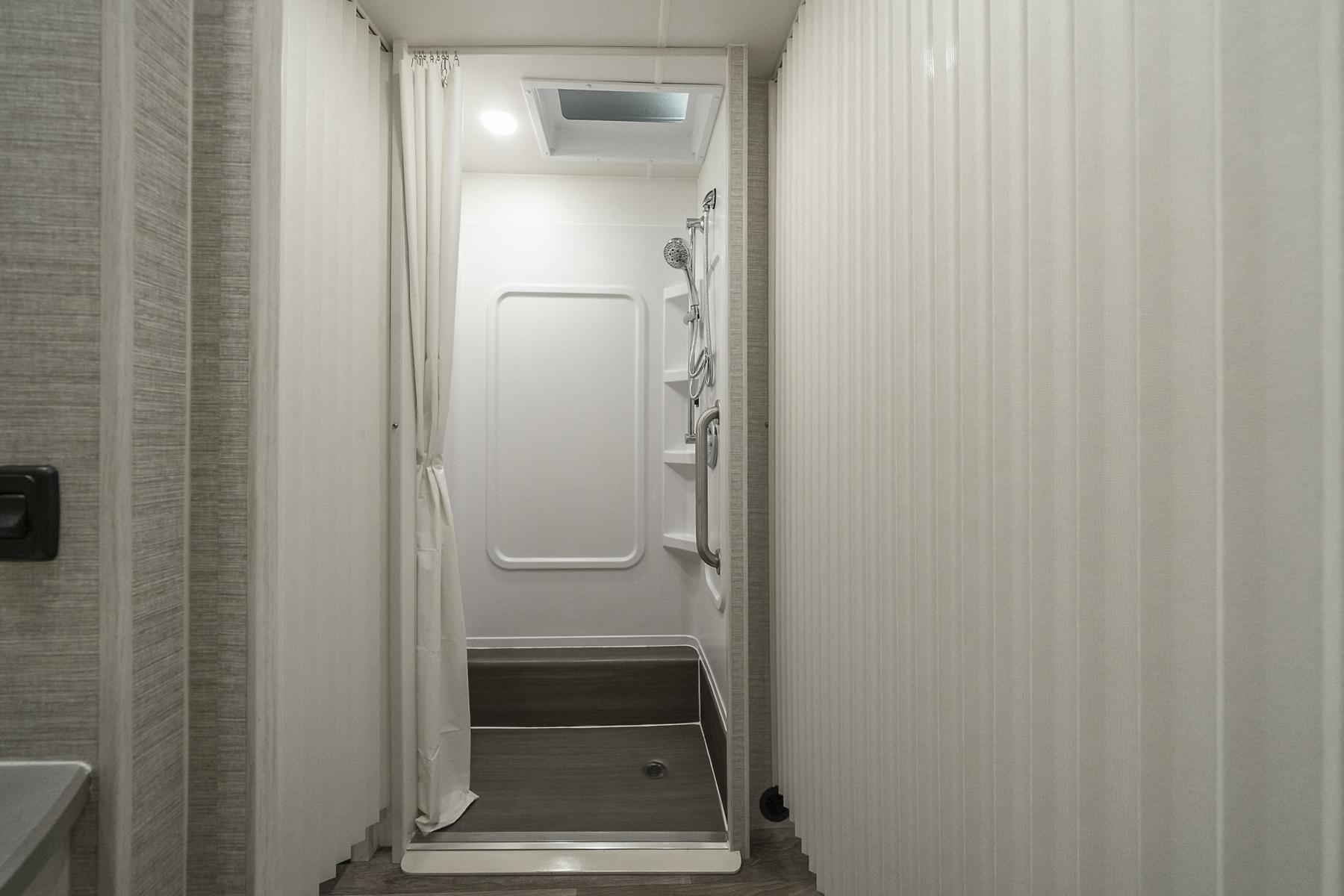 ITAE-ShowerAlt-20