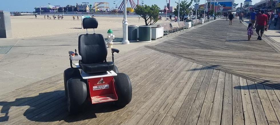 4wd-mobility-scooter-on-ocean-city-boardwalk-next-to-beach