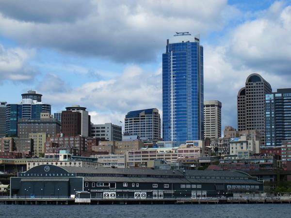 Skyline and Seattle Aquarium