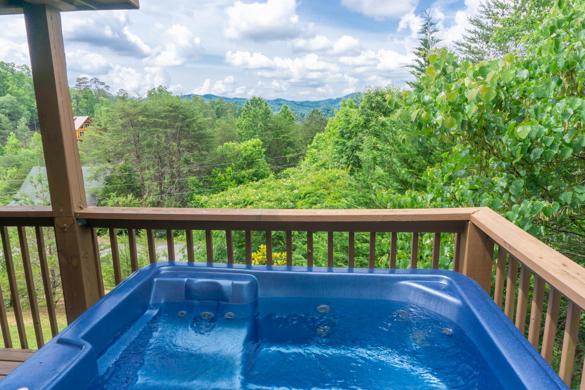 Smoky-Mountain-Splendor-hot-tub-view