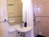 main-accessible-room-shower-basin