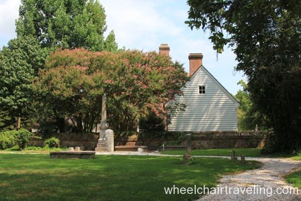 23 Bruton Churchyard