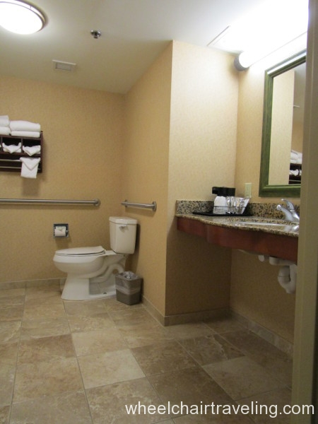 08 Hampton Bathroom