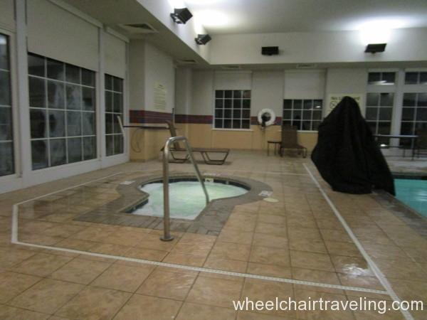 13 Hampton Whirlpool