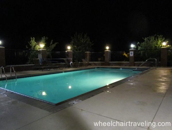 14 Hampton Outdoor Pool