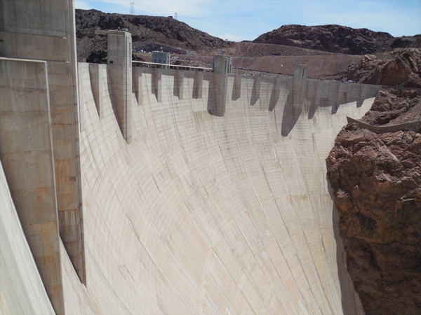 Hoover Dam: Visiting + Accessibility