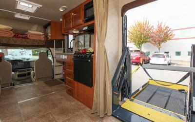 RV (Recreational Vehicle): Wheelchair Travel